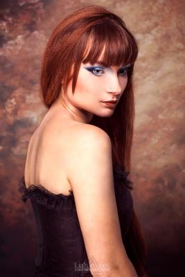 Shirley Hybris x Delphine Moll